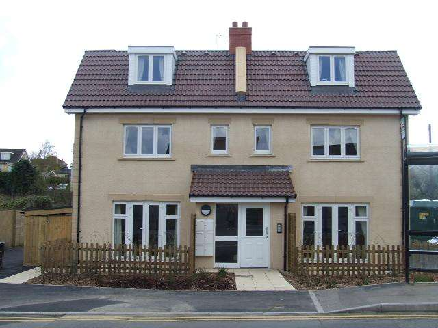 2 Bedrooms Flat for rent in Pound Mead, Station Road, Corsham, Wiltshire, SN13 9HA
