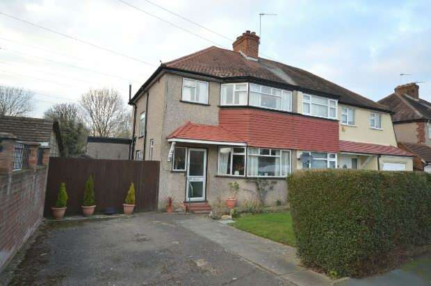 4 Bedrooms Semi Detached House for sale in Derek Avenue, West Ewell
