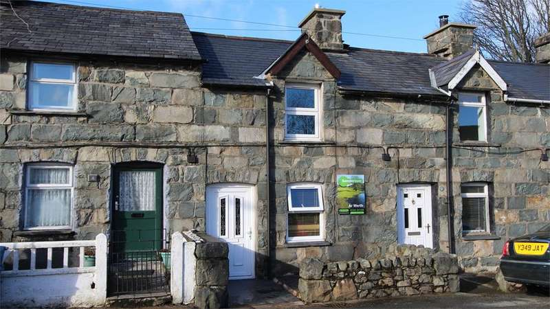 2 Bedrooms Terraced House for sale in Tyn Y Pistyll, Trawsfynydd, Blaenau Ffestiniog, LL41
