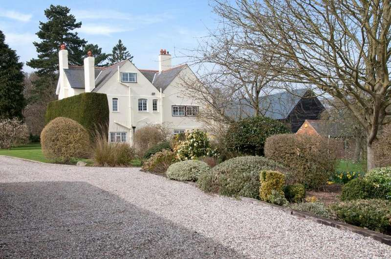 5 Bedrooms Detached House for sale in Stock, Ingatestone