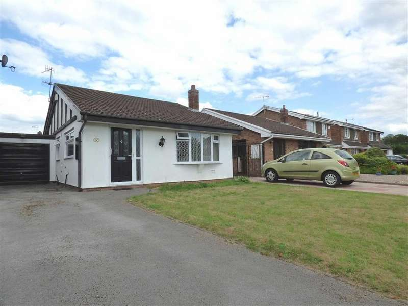 2 Bedrooms Detached Bungalow for sale in Java Crescent, Trentham, Stoke-on-Trent