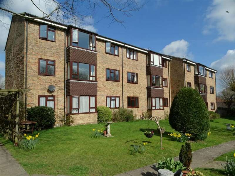 2 Bedrooms Flat for sale in Kelsey Court, Burgess Hill