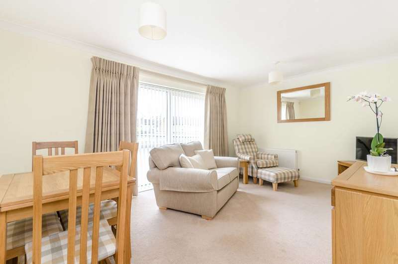 2 Bedrooms Flat for sale in Homefield Road, Bromley, BR1