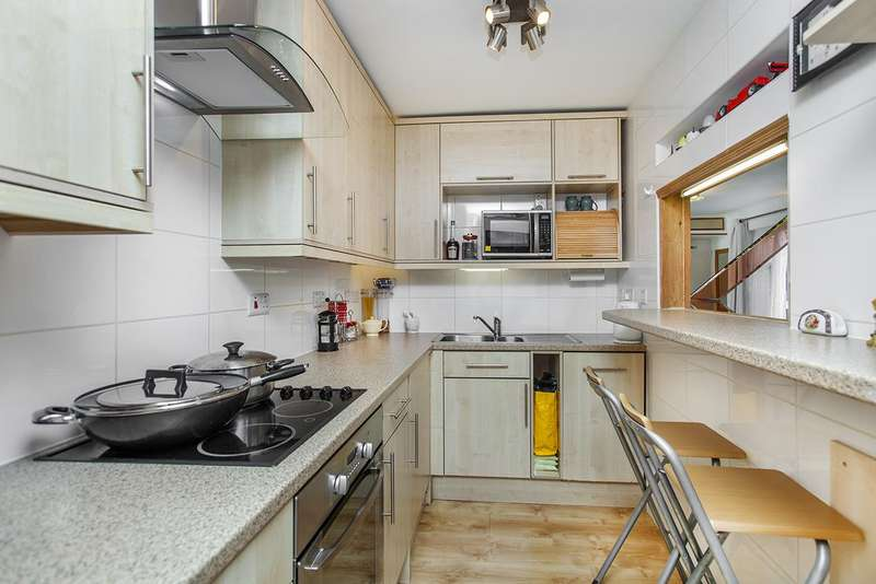 2 Bedrooms Flat for sale in Elsinore Gardens, NW2