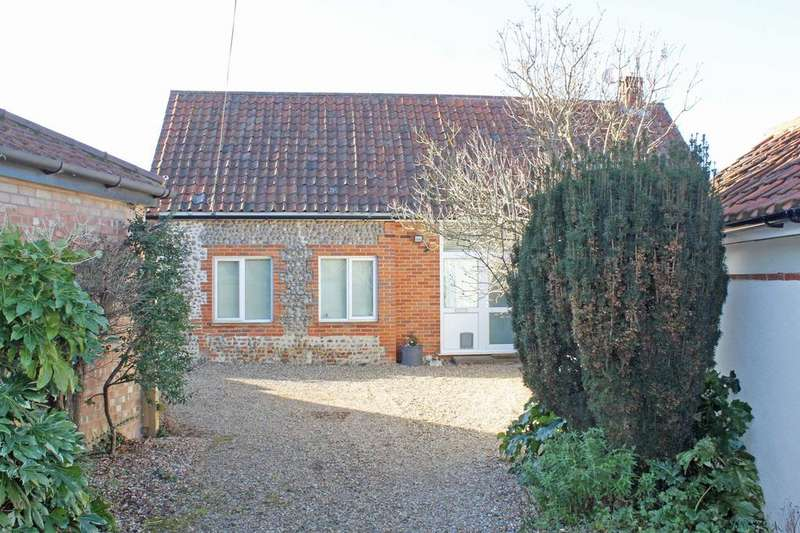 2 Bedrooms Barn Character Property for sale in The Street, Kelling NR25