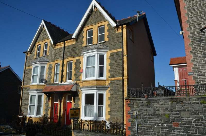 4 Bedrooms Semi Detached House for sale in Buarth Road, Aberystwyth