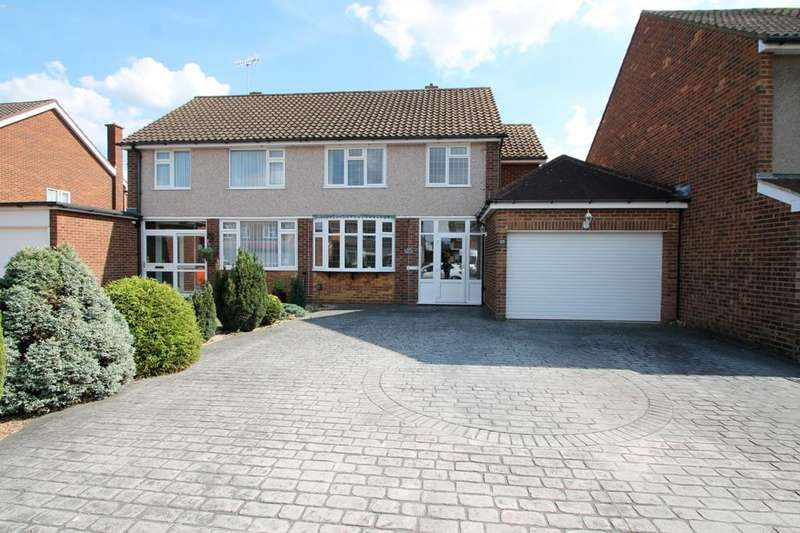 3 Bedrooms Semi Detached House for rent in Lynegrove Avenue, Ashford, TW15