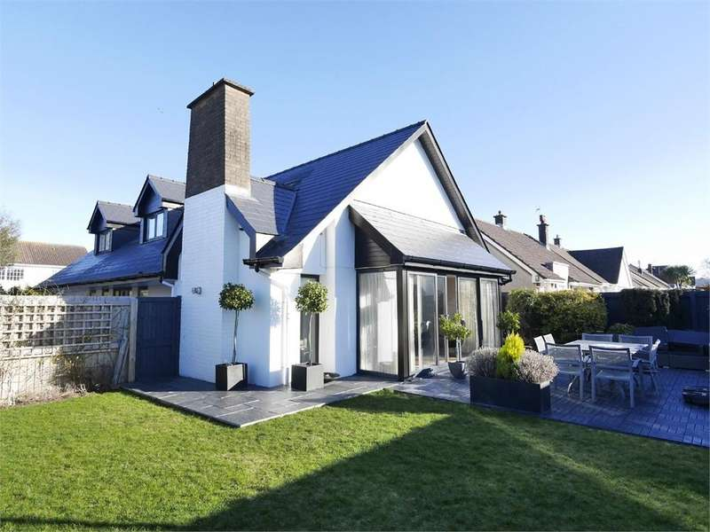4 Bedrooms Detached Bungalow for sale in Craven Walk, Penarth