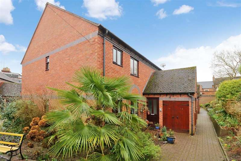 2 Bedrooms Retirement Property for sale in Priory Walk, Warwick