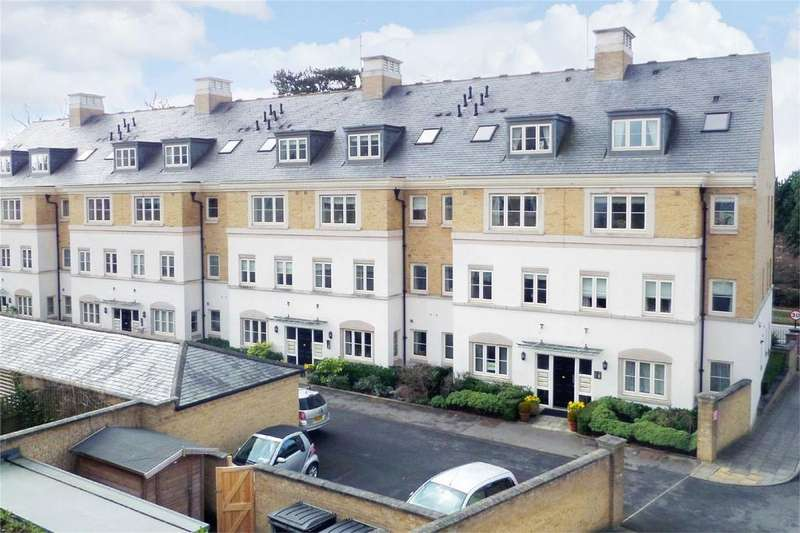 2 Bedrooms Flat for sale in The Square, Dringhouses, York