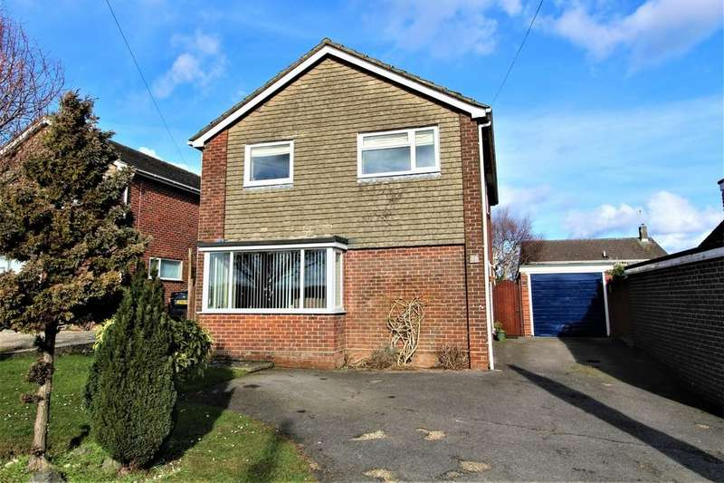 4 Bedrooms Detached House for sale in Drift Road, Clanfield
