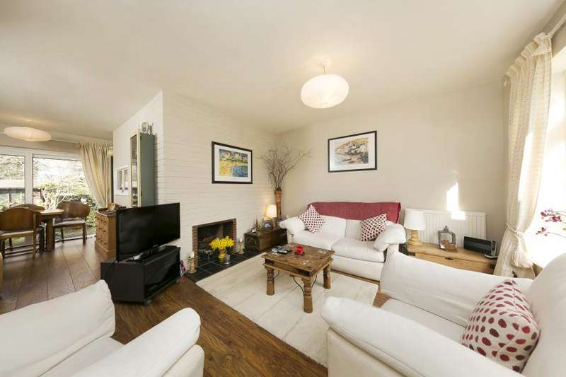 3 Bedrooms House for sale in Campbell Close, Twickenham, TW2
