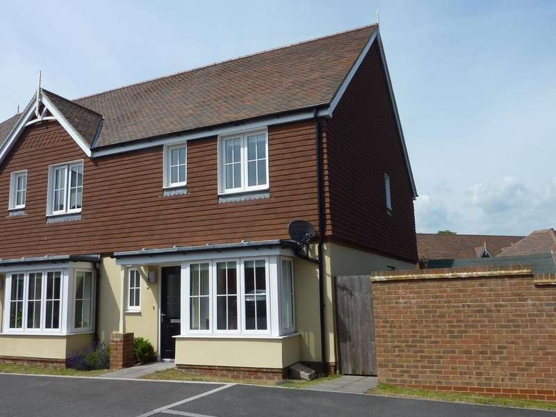 3 Bedrooms End Of Terrace House for rent in Shearing Drive, Burgess Hill RH15