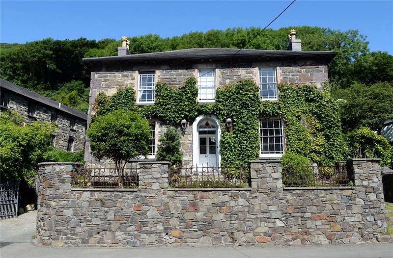 5 Bedrooms Detached House for sale in Tan-Yr-Allt & The Old Coach House, Main Street, Solva, Haverfordwest