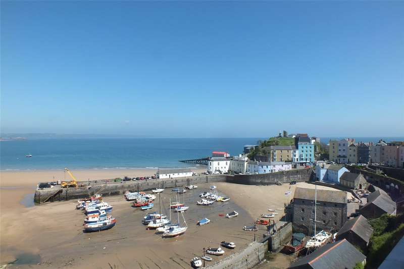 3 Bedrooms Flat for sale in Flat 3, Newbridge House, Crackwell Street, Tenby