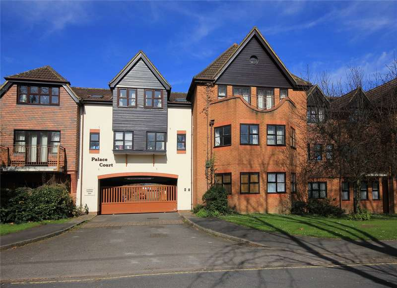 2 Bedrooms Apartment Flat for sale in Palace Court, Maybury Road, Woking, Surrey, GU21
