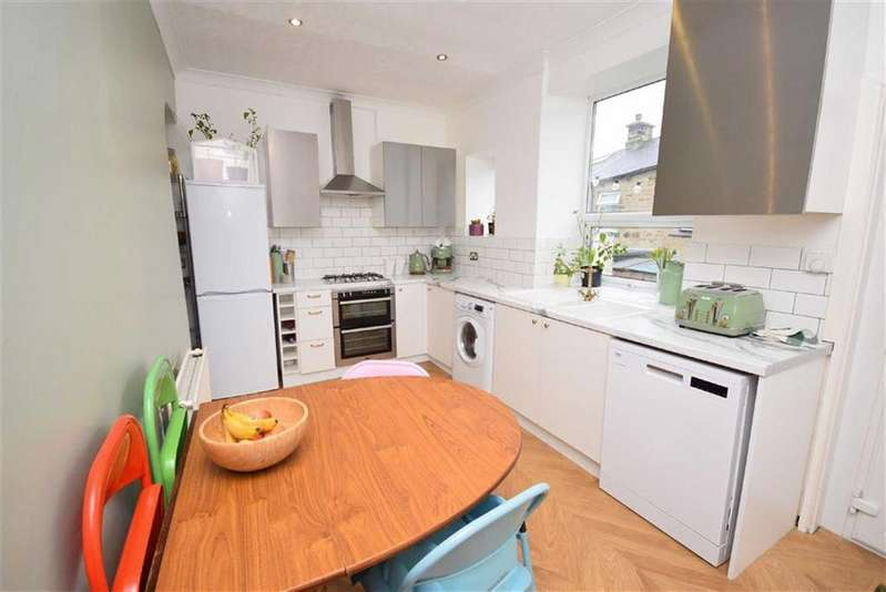 2 Bedrooms Terraced House for sale in Queen Street, Barrowford, Lancashire