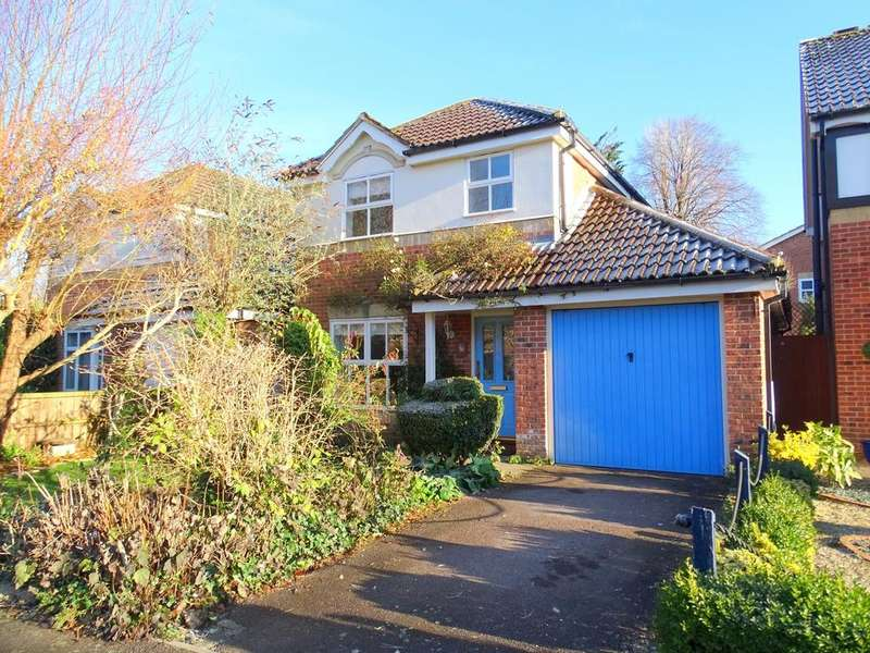 3 Bedrooms Detached House for sale in Chichester