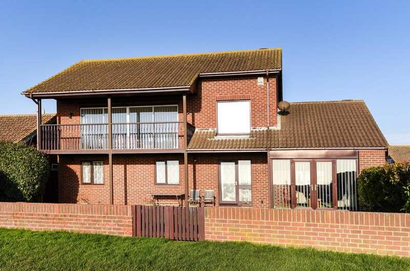 3 Bedrooms Detached House for sale in Ledra Drive, Pagham, Bognor Regis, PO21
