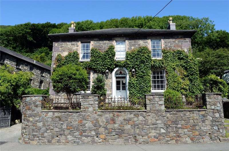 5 Bedrooms Detached House for sale in Tan-Yr-Allt The Old Coach House, Main Street, Solva, Haverfordwest