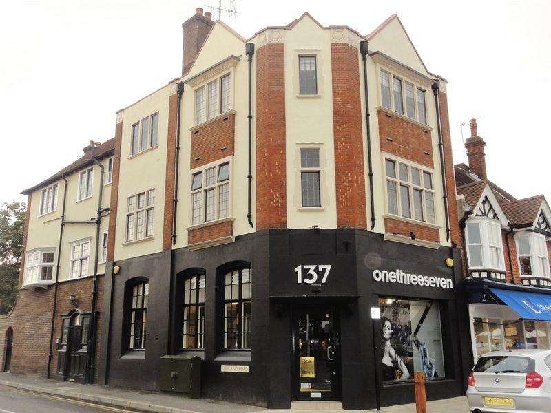 2 Bedrooms Apartment Flat for rent in High Street, Cranleigh