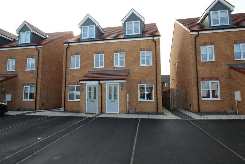 3 Bedrooms Semi Detached House for rent in Hawker Close, Seaton Carew, Hartlepool