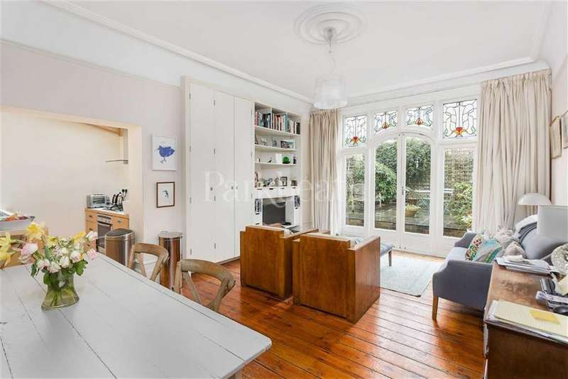 2 Bedrooms Flat for sale in Glenmore Road, London