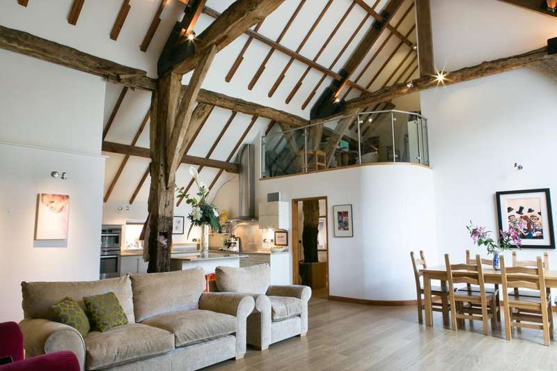 4 Bedrooms House for rent in Tithe Barn Cottage, Station Lane, Thorner, Leeds