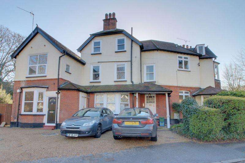 2 Bedrooms Apartment Flat for sale in Dale Road, Purley