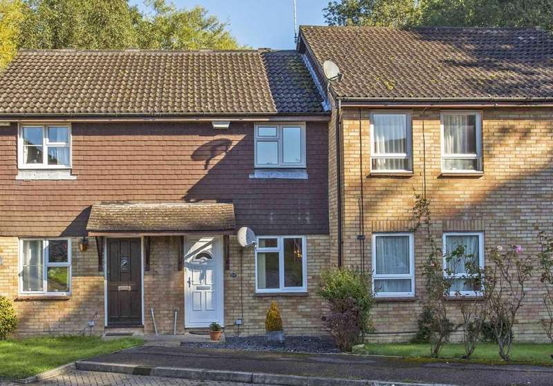 2 Bedrooms Semi Detached House for sale in Ashenden Walk, Tunbridge Wells