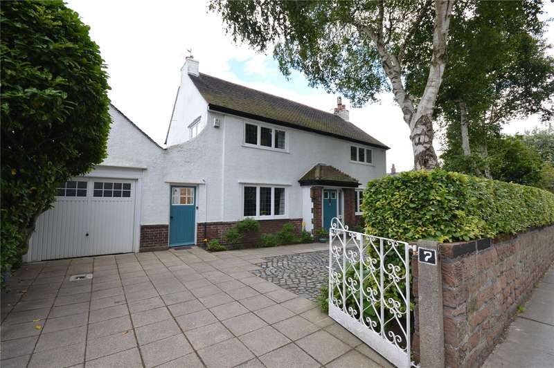 3 Bedrooms Detached House for sale in Speke Road, Woolton, Liverpool, L25