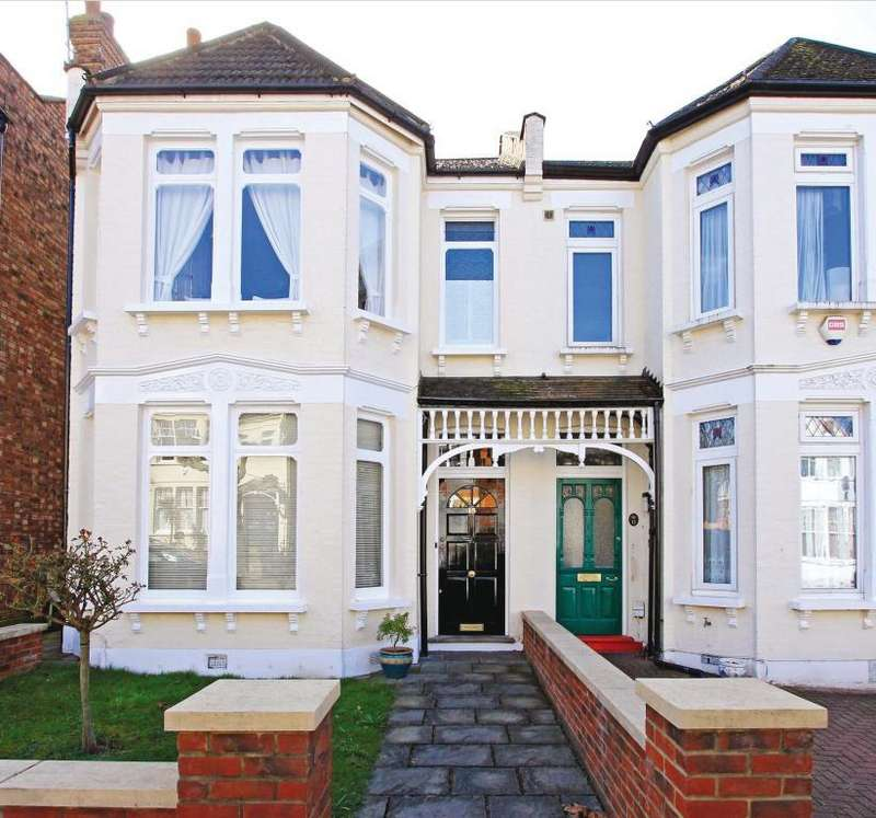 3 Bedrooms House for sale in Grosvenor Road, Finchley, N3