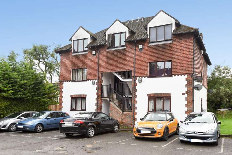 1 Bedroom Flat for sale in High Wycombe, Buckinghamshire, HP11
