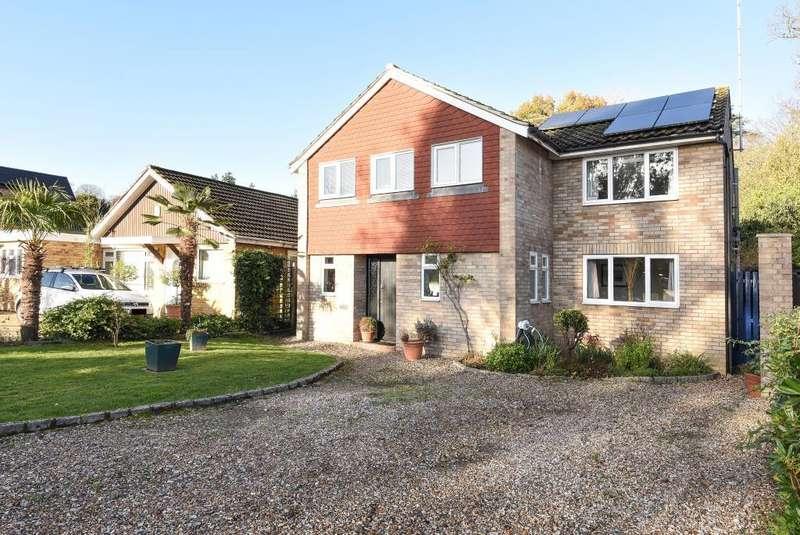 5 Bedrooms Detached House for sale in Dale Lodge Road, Sunningdale, SL5