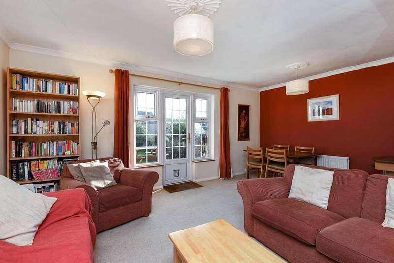 3 Bedrooms Terraced House for sale in Pembury Close, Hayes