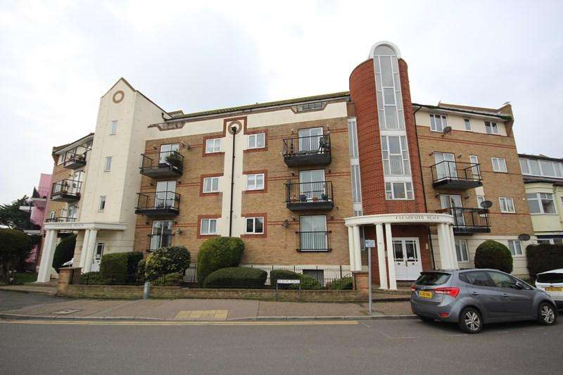 2 Bedrooms Apartment Flat for sale in Marine Parade East, Clacton-On-Sea