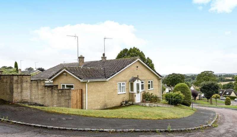 3 Bedrooms Bungalow for sale in Cleeves Avenue, Chipping Norton, OX7