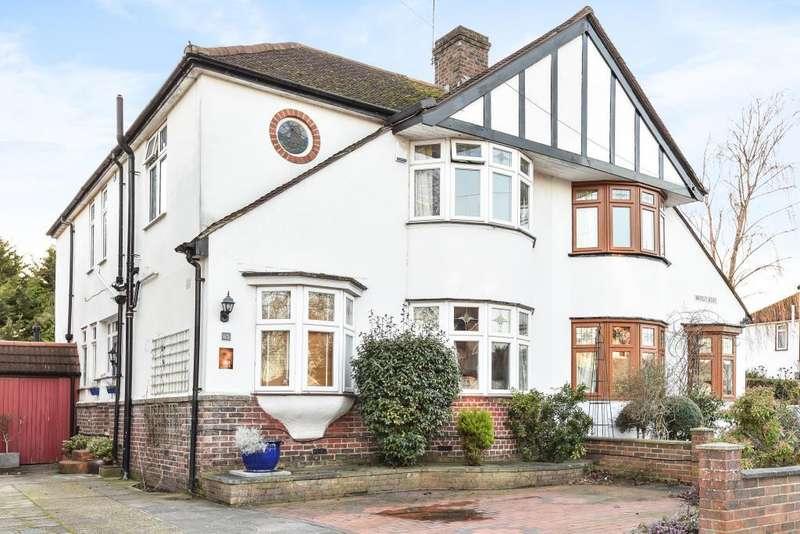4 Bedrooms House for sale in Waverley Avenue TW2, Whitton, TW2