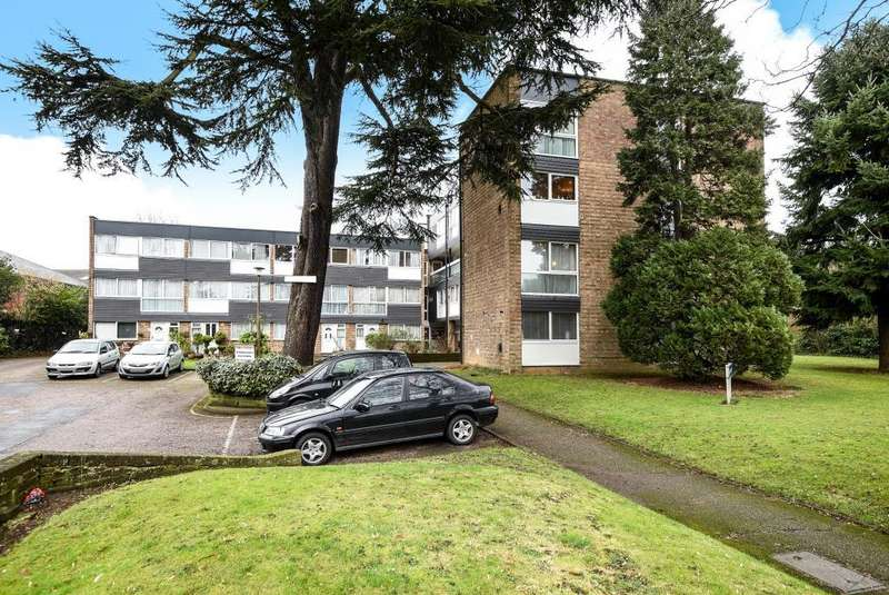 3 Bedrooms Maisonette Flat for sale in Edgware, Middlesex, HA8