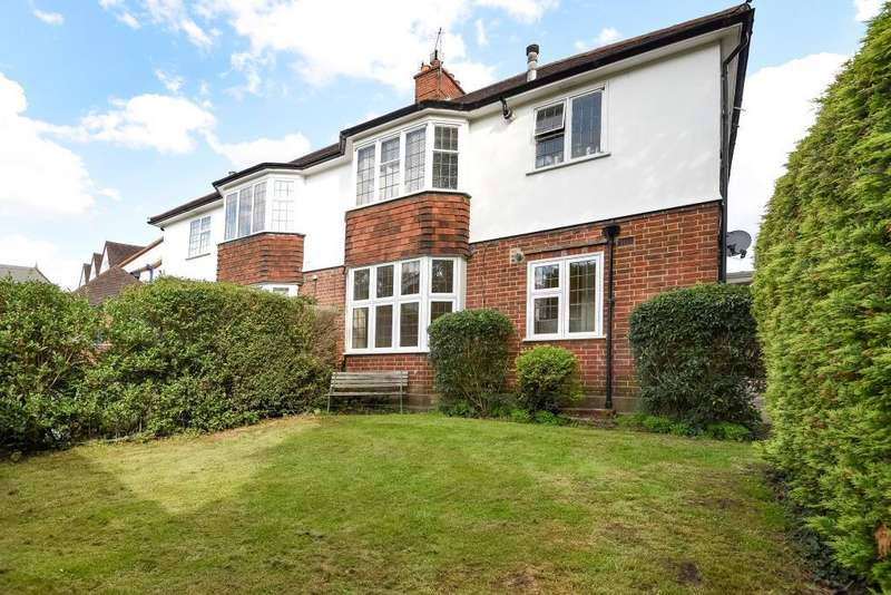 2 Bedrooms Maisonette Flat for sale in Speer Road, Thames Ditton, KT7