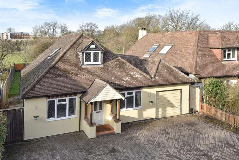 4 Bedrooms Detached House for sale in Bisley, Surrey, GU24
