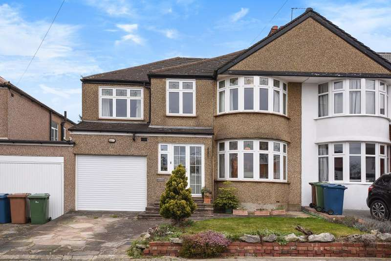 5 Bedrooms House for sale in Drummond Drive, Stanmore, HA7