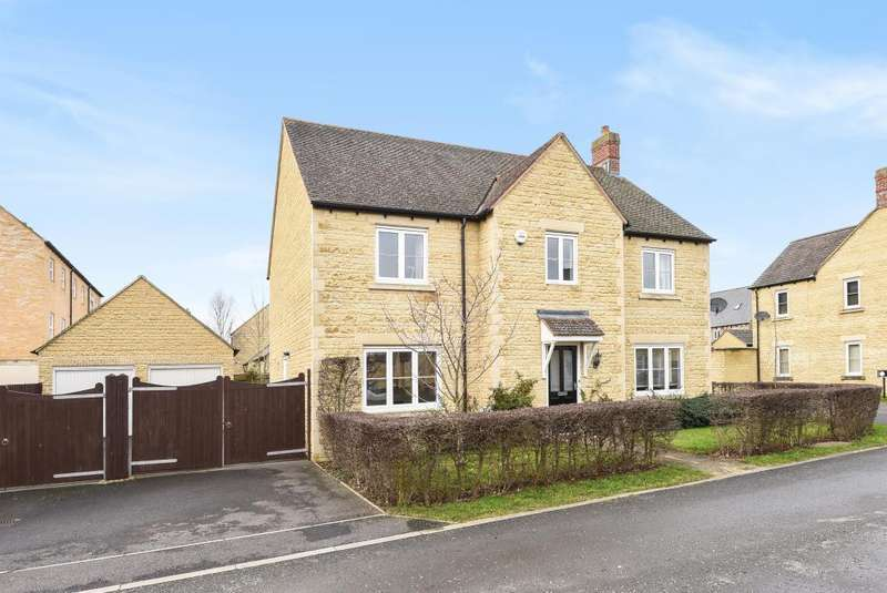 4 Bedrooms Detached House for sale in Hibiscus Way, Carterton, OX18
