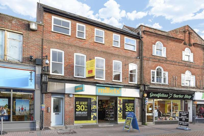 1 Bedroom Flat for sale in Chesham Town Centre, Buckinghamshire, HP5