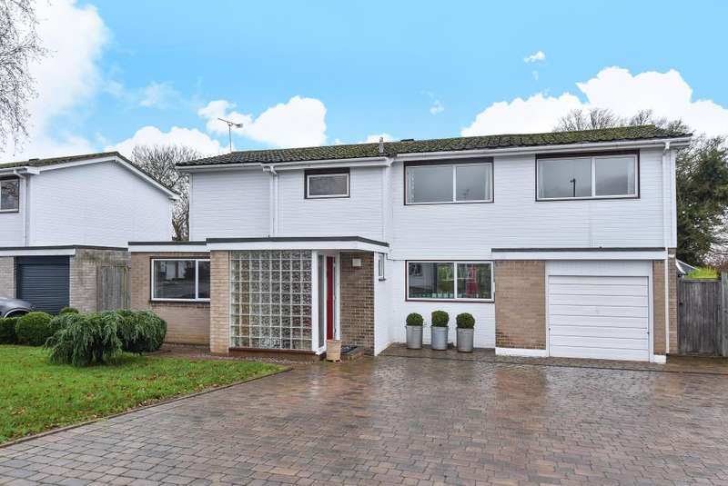 5 Bedrooms Detached House for sale in Windsor, Berkshire, SL4
