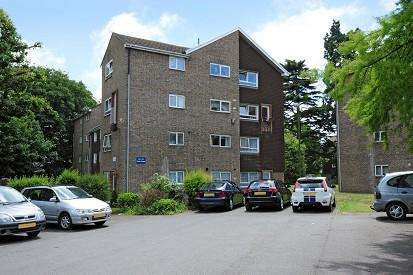 2 Bedrooms Apartment Flat for rent in Park Place, Amersham, HP6