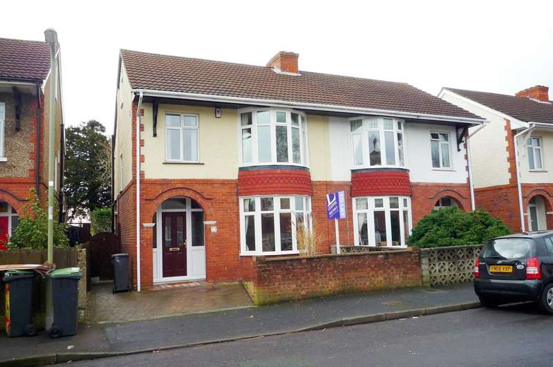 3 Bedrooms Semi Detached House for rent in Grove Avenue, Gosport