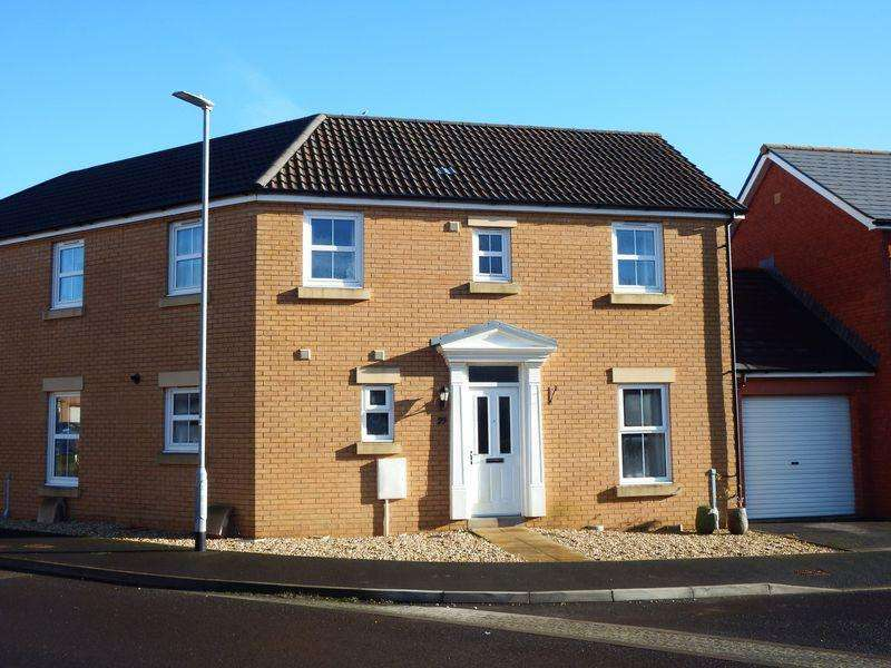 3 Bedrooms House for sale in Kingswood Road, Crewkerne