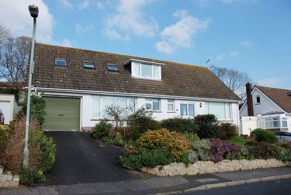 3 Bedrooms Chalet House for sale in Barn Hayes, Sidmouth