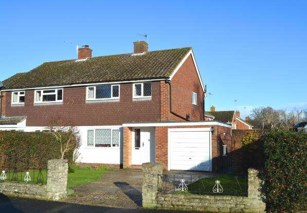 3 Bedrooms Semi Detached House for sale in Hook